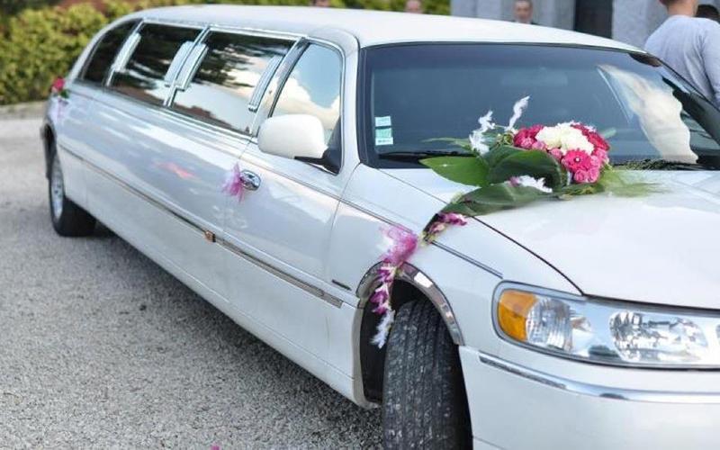 Location de limousine pour mariage dans le nord - Location voiture tourcoing ...